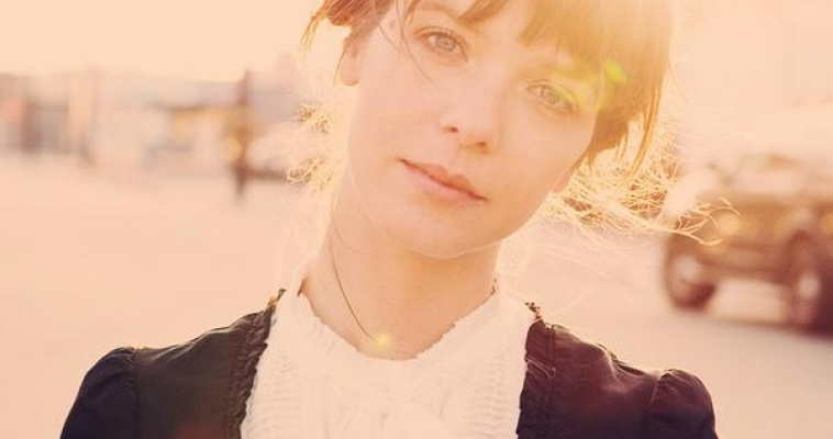 Piano-pop sweetheart Laura Jansen preps for China Tour: Nov 22 – 26, 2011